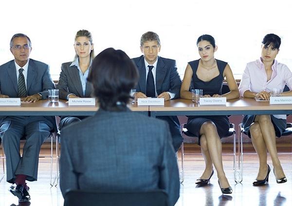с чем работодатель знакомит на приеме на работу