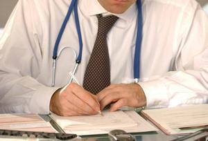 После выздоровления в школе за ними наблюдает местный врач-фтизиатр.