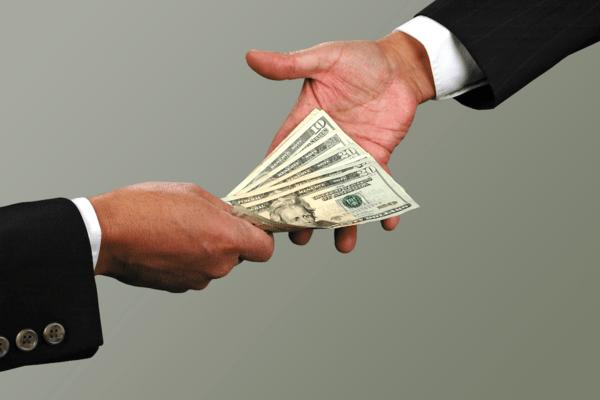 Передача денег подотчетному лицу