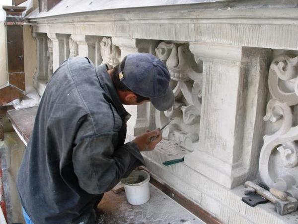 Проведение реставрации памятника