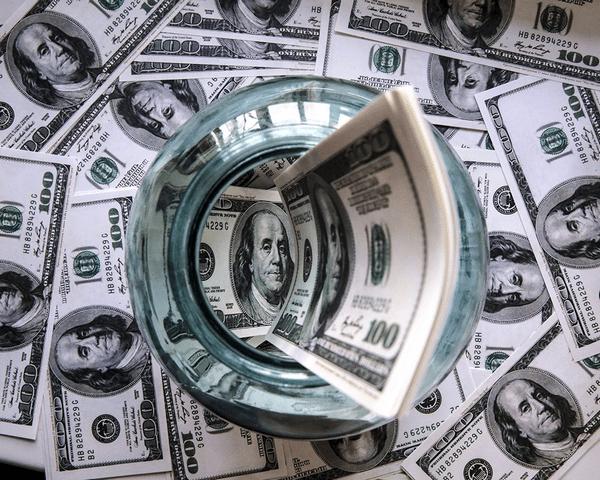Стоит ли открывать депозит в долларах