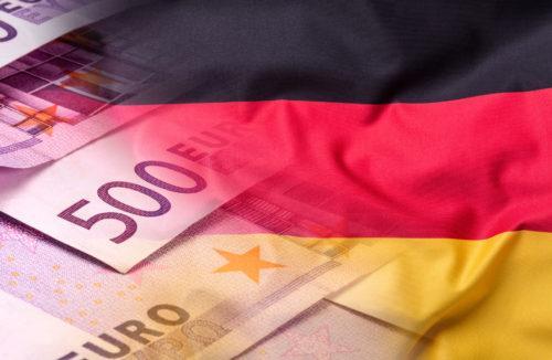 Флаг Германии и деньги